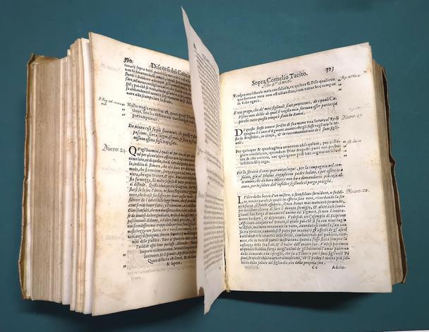 <strong>Discorsi sopra i primi cinque libri di Cornelio Tacito.</strong>Con una tavola copiosissima delle materie più notabili.